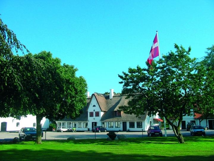 An idyllic country hotel at Flensborg Fjord