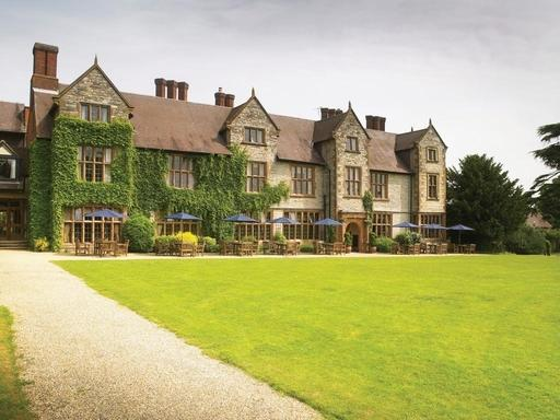 Billesley Manor is a 4-star country house situated just three miles from Stratford-upon-Avon.