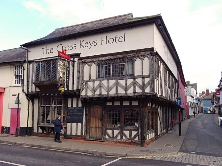 Tucked away in the heart of the charming market town of Saffron Walden, The Cross Keys is an historic hostelry dating back to the 12th century.