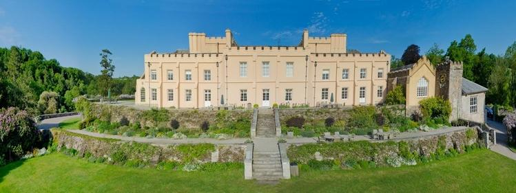 This magnificent Castle, opened in 2009 after extensive renovation, now offers luxury B&B in an Area of Outstanding Natural Beauty on the banks of the River Tamar.