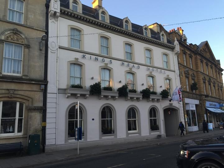 The Kings Head Hotel in Cirencester is the perfect blend of historic charm with contemporary comfort and style.