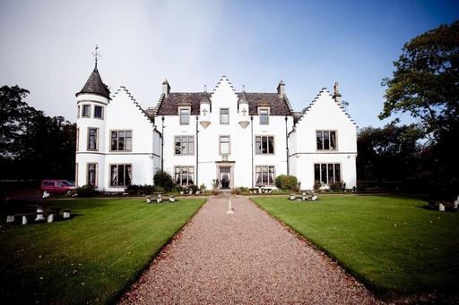 Kincraig Castle Hotel in Invergordon is a luxurious yet friendly country house hotel with a warm home-away-from-home atmosphere.