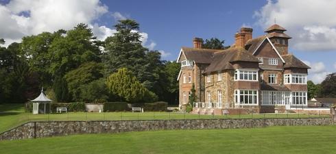 Spread across a lovely 125 acre estate, Highbullen Hotel, Golf & Country Club enjoys an idyllic North Devon location between Dartmoor and Exmoor